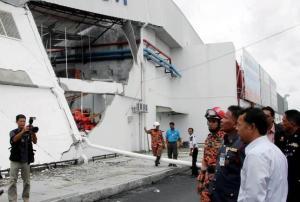CMart in Bandar Darulaman Jitra collapsed