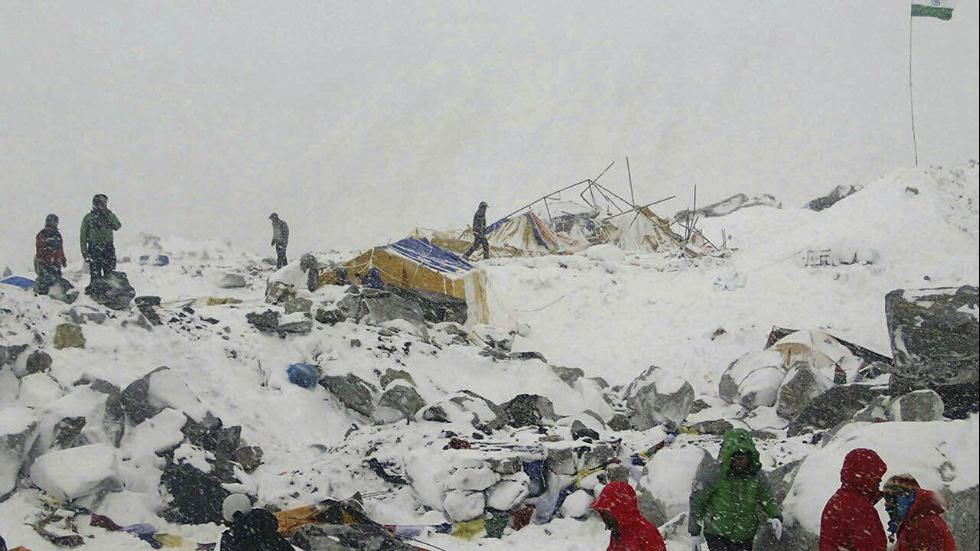 Everest Avalance
