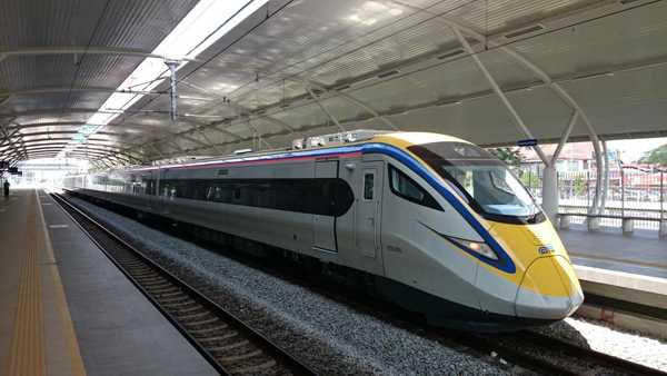 Tren ETS Kuala Lumpur - Padang Besar -Kuala Lumpur