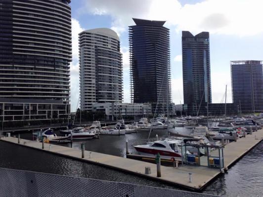 Amna Home Homestay di Docklands, Melbourne, Australia